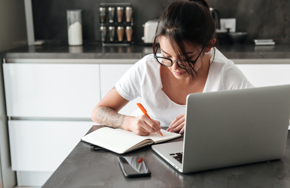 Los beneficios de la terapia online para españoles que vive en Londres